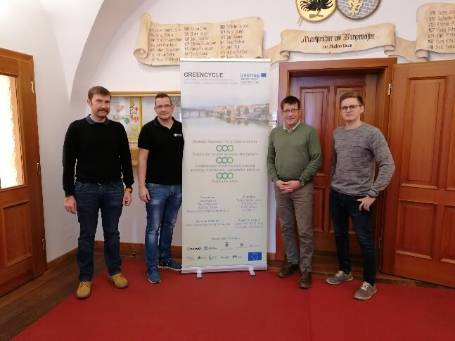 Impulse centre Vorau team hands over the GREENCYCLE circular economy strategy to the mayor of Vorau-2